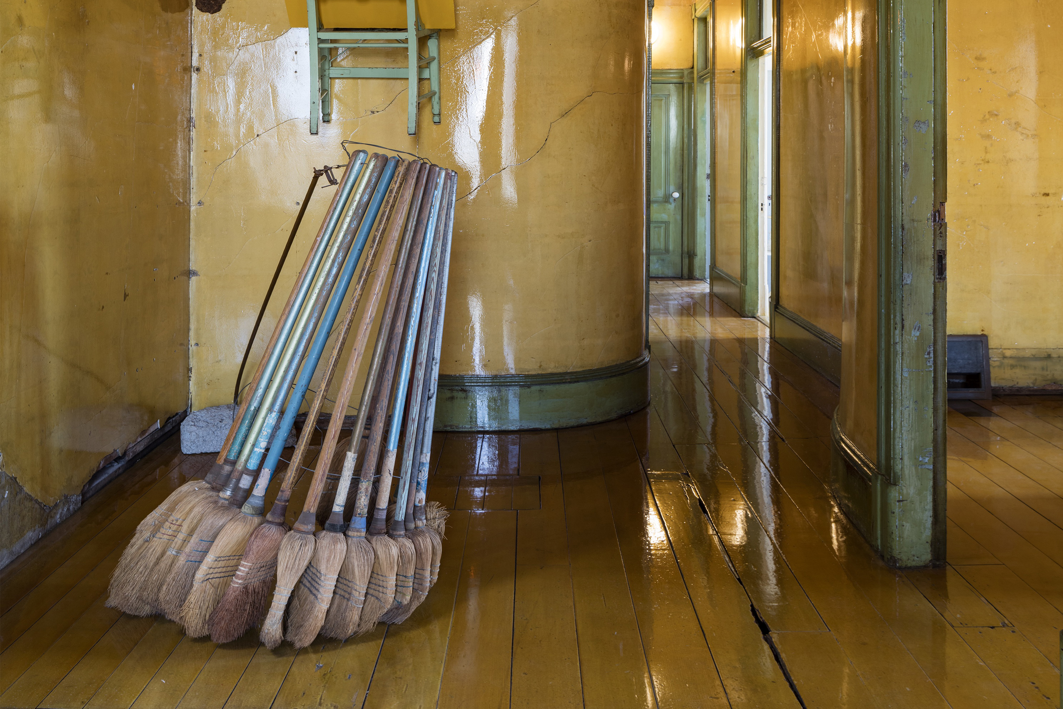 Web Home Brooms final  8.2016 500 Capp St_2nd floor hallway and stairs_#04_Nov 5th__©Henrik Kam 2015_ copy-2