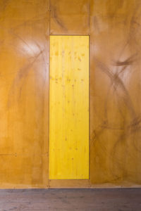 Gabriel Sierra, Trapdoor for Contadina, 2019. Wood plank, yellow stain, 72 x 20 x 1.5 inches. Courtesy of the artist and Kurimanzutto, Mexico