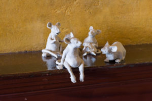 Jorge Satorre, Sometimes I use images in my work that might be embarrassing to me, my family or my dealers (mice), 2019. Epoxy, dimensions variable. Courtesy of the artist and Labor, Mexico